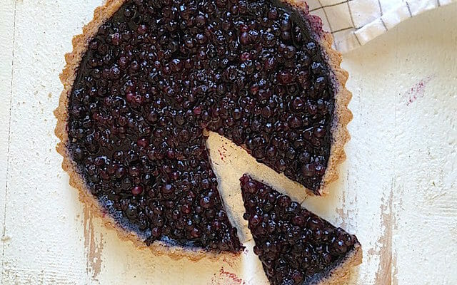 Wild blueberry tart with gluten-free crust