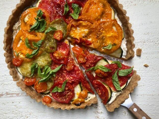 تارت کدو سبز گوجه فرنگی با کفگیر و مادر تارت